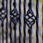 Nowoczesne ogrodzenia dla budynku ma wpływ na zabezpieczenie